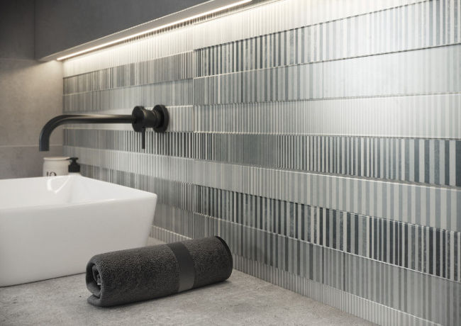 Funkcjonalność i styl zapewniany przez dostępne online płytki łazienkowe Cersanit